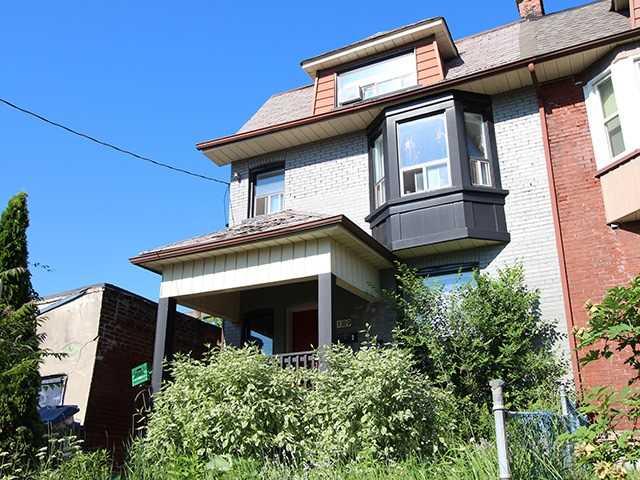 189 Montrose Ave, Toronto, ON M6G 1B9