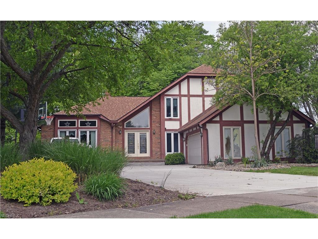 5734 Amber Ct, Willoughby, OH 44094