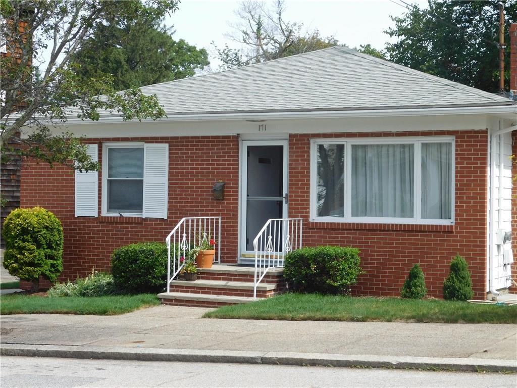 171 Sayles AV, Pawtucket, RI 02860