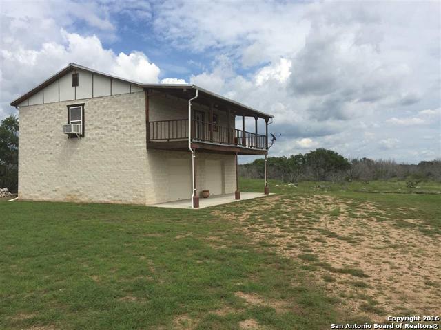 674 River View Dr, Johnson City, TX 78636
