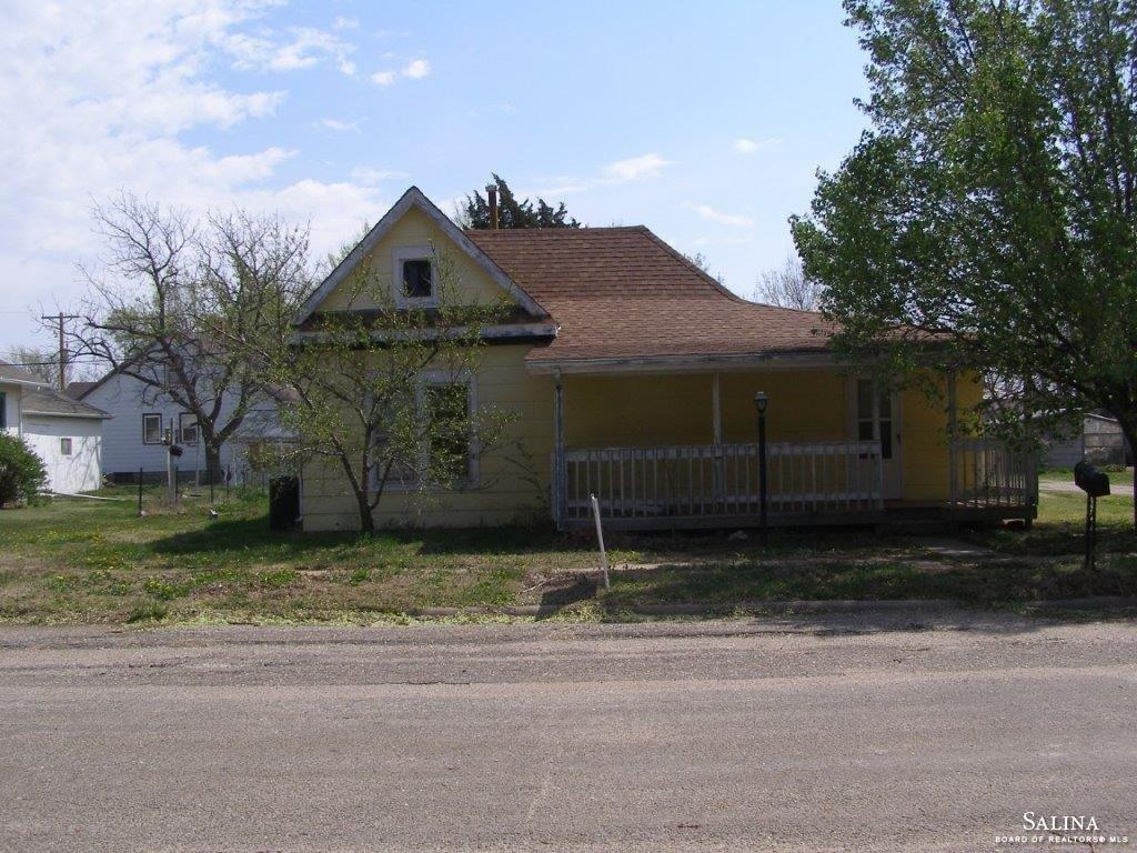 236 S Franklin Street, Lorraine, KS 67459