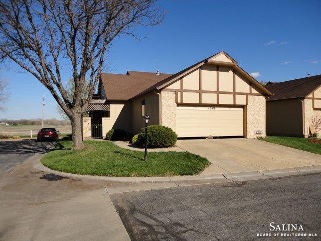 1018 Burr Oak Lane, Salina, KS 67401