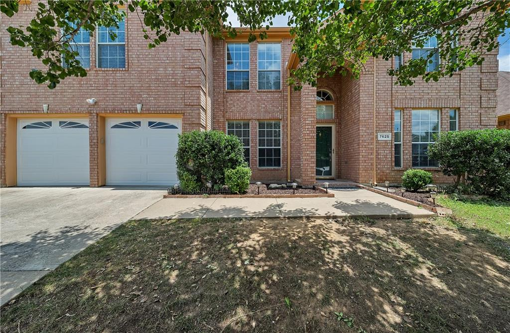 7625 Brook Meadow Lane, Fort Worth, TX 76133
