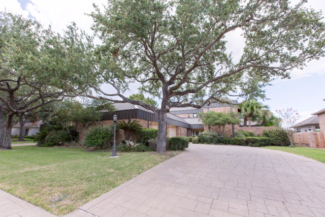 6108 Country Club, Victoria, TX 77904