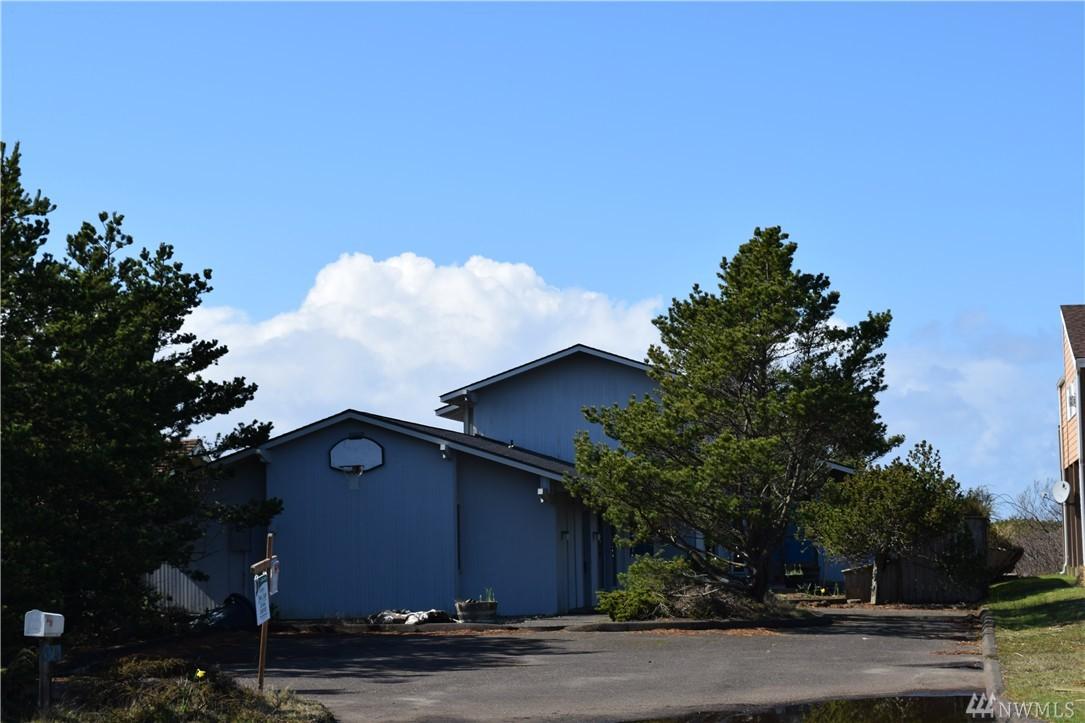 675 Ocean Shores Blvd SW, Ocean Shores, WA 98569