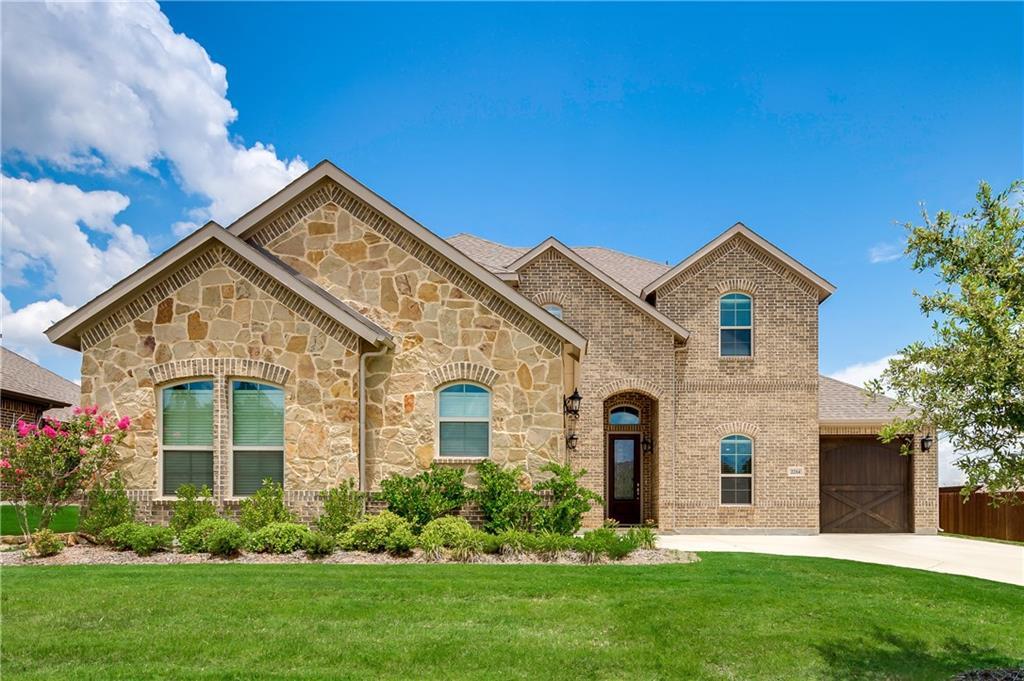 2214 Fallbrooke Drive, Grand Prairie, TX 75050