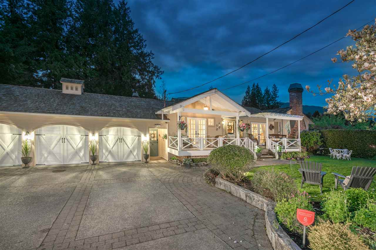 4953 WATER LANE, West Vancouver, BC V7V 1K4