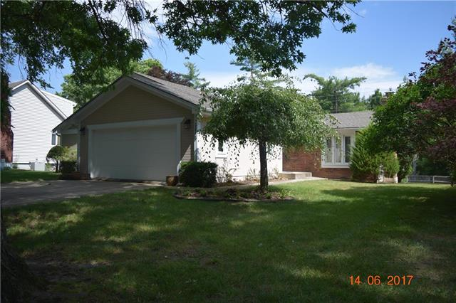 1113 NW Weatherstone Drive, Blue Springs, MO 64015