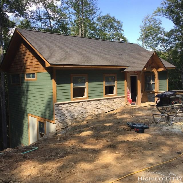 205 Vixen Lane, Blowing Rock, NC 28605
