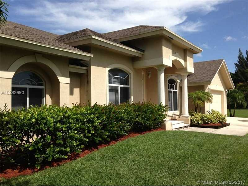 4921 SW 195th Ter, Southwest Ranches, FL 33332
