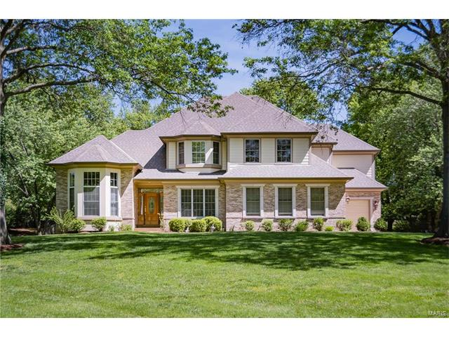 811 Coulange Court, Creve Coeur, MO 63141