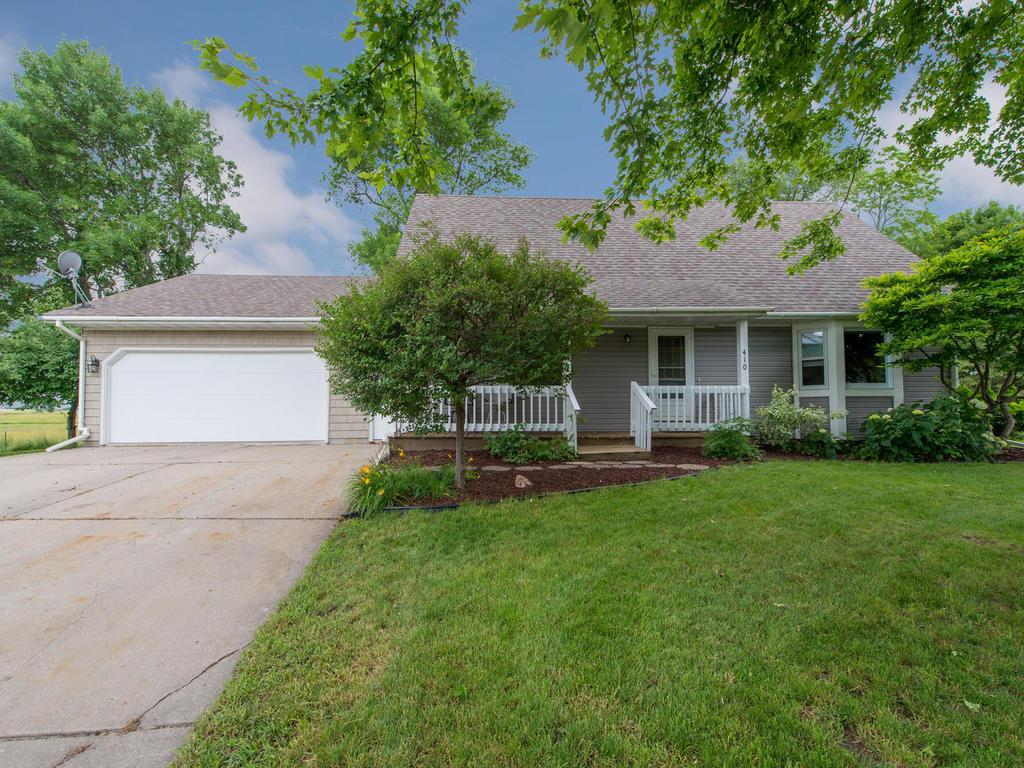 410 Colonial Circle, Norwood Young America, MN 55397