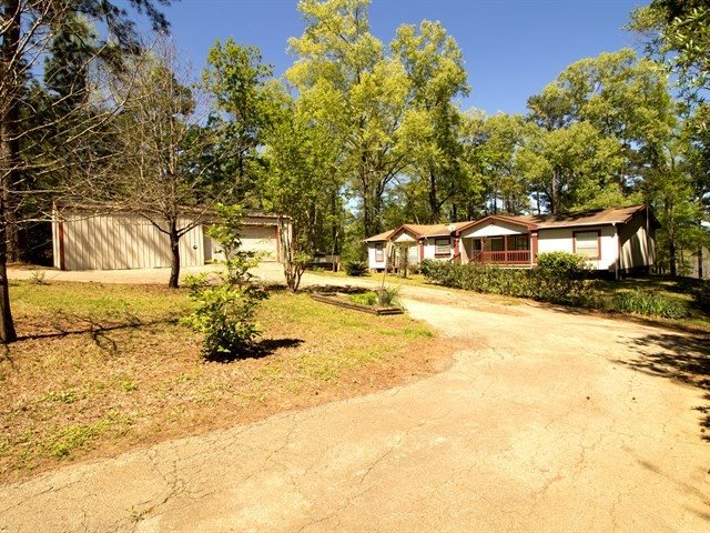 921 CR 476, Broaddus, TX 75929