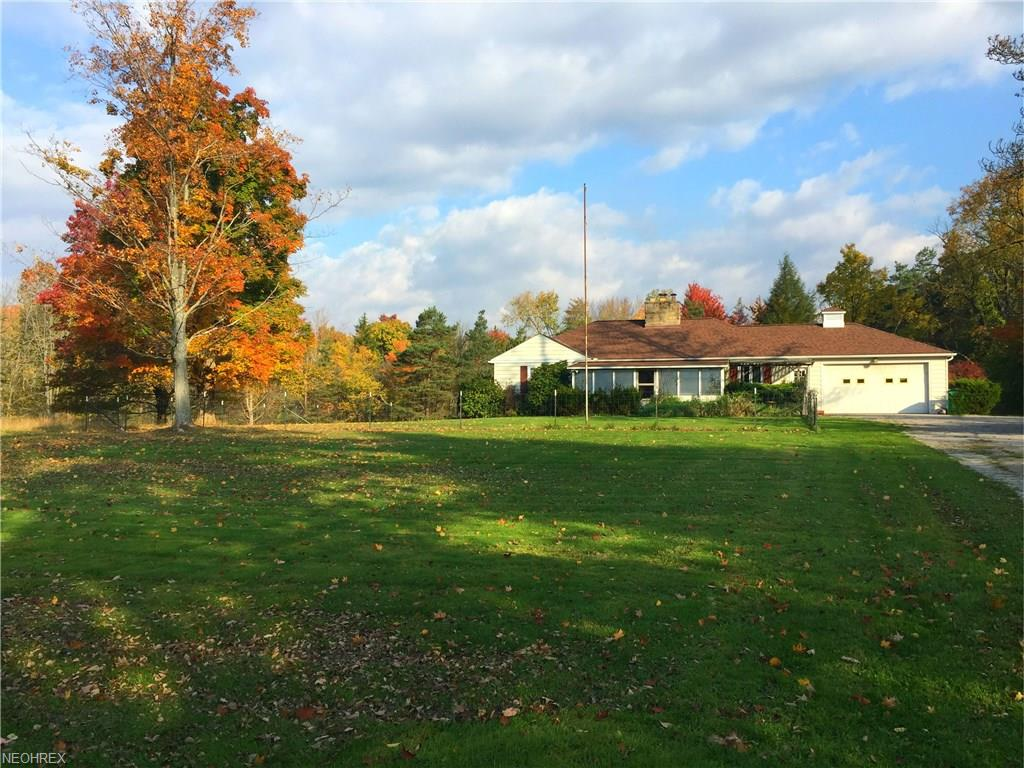 1417 Bell Rd, Chagrin Falls, OH 44022