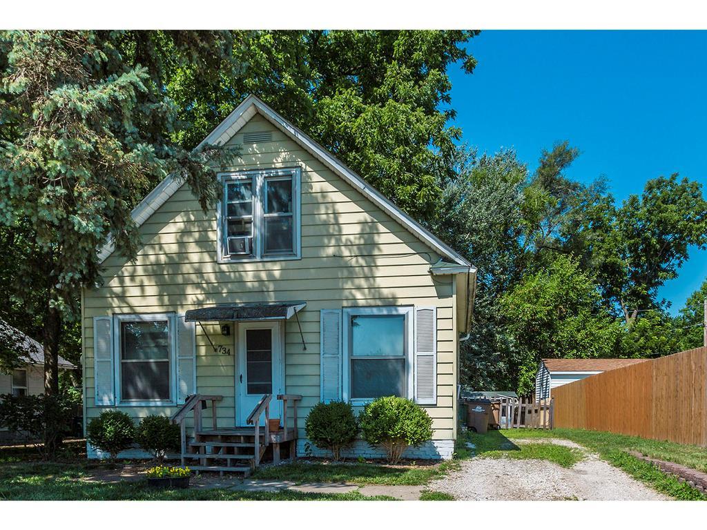 734 8th Street, West Des Moines, IA 50265