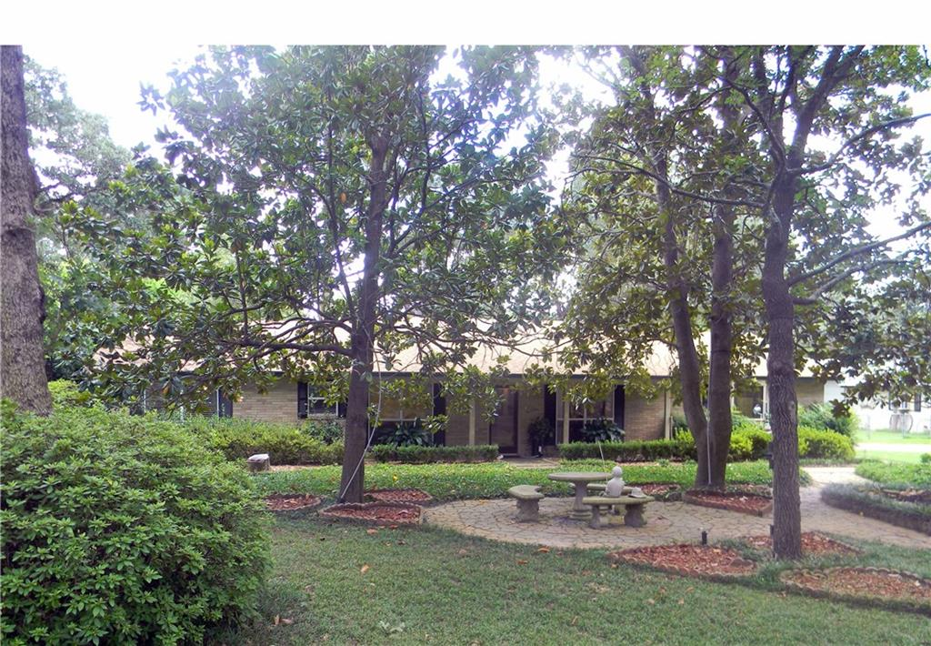 101 Trail Ridge Road, Athens, TX 75751