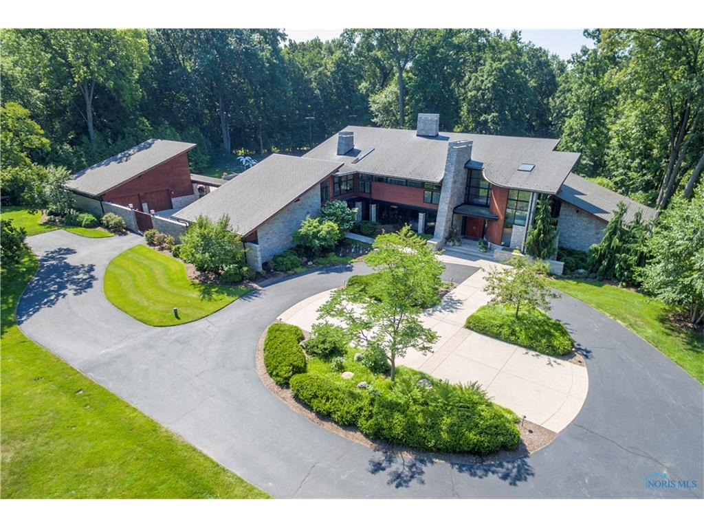 2909 Valley View Drive, Ottawa Hills, OH 43615