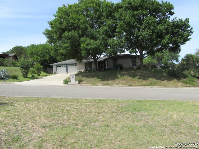 145 Meadow Way, Universal City, TX 78148
