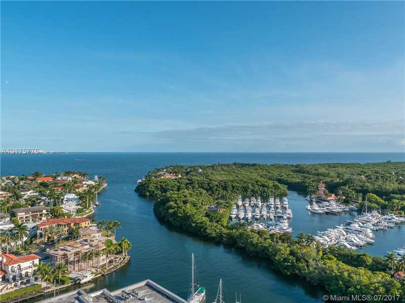 10 Edgewater Dr TS-D, Coral Gables, FL 33133