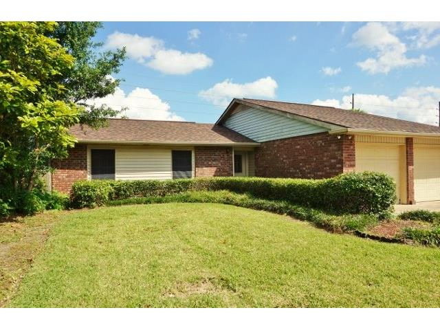 3 Bedroom home with tile and laminate floors located in Riverlands Subdivision. Recently installed roof, finished garage, fenced rear yard.