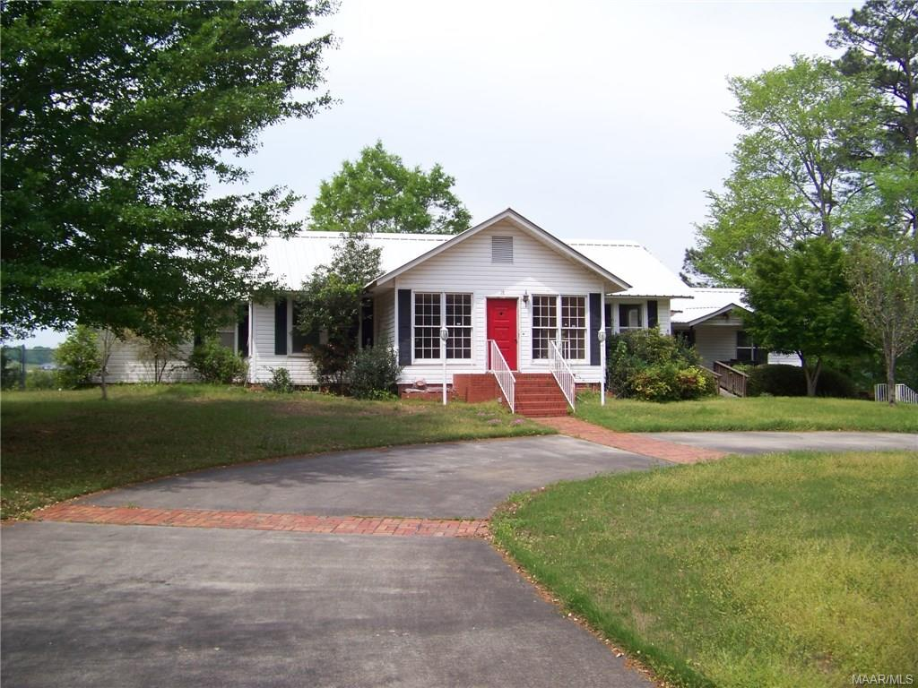 18 Dixie Circle, Tallassee, AL 36078