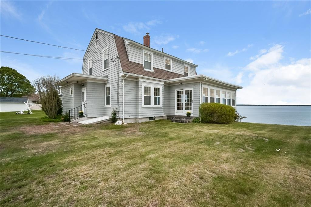 15 Sauga AV, North Kingstown, RI 02852