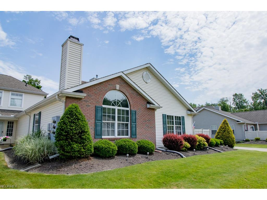 7543 Monterey Bay Dr 2, Mentor-on-the-Lake, OH 44060