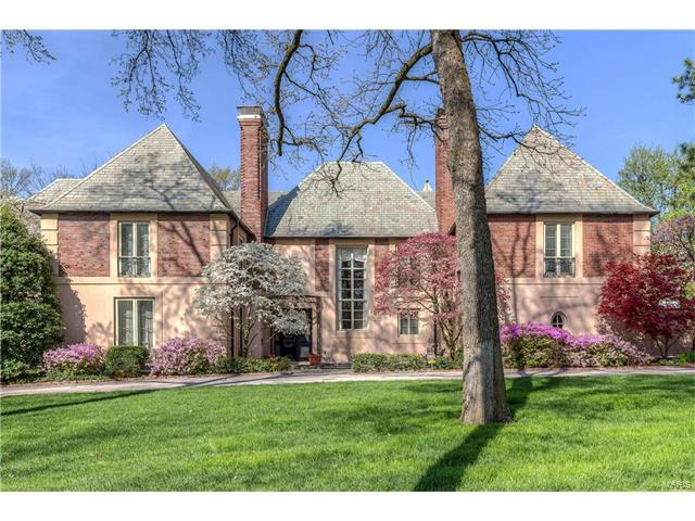 12 Carrswold, St Louis, MO 63105