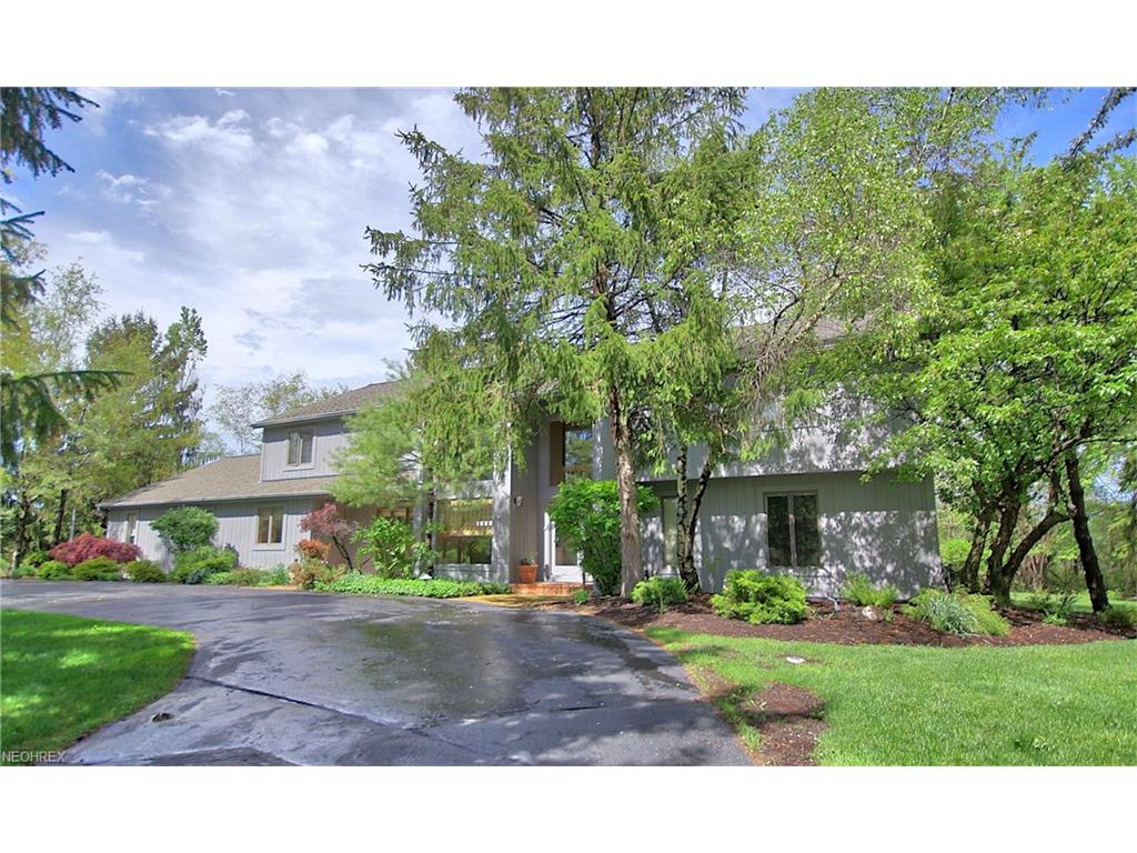 2645 Fairwood Dr, Pepper Pike, OH 44124