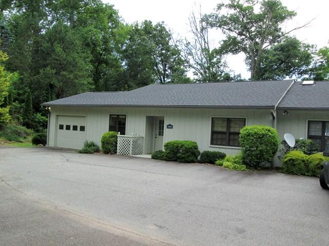 575 A Oak Creek Rd, Franklin, NC 28734