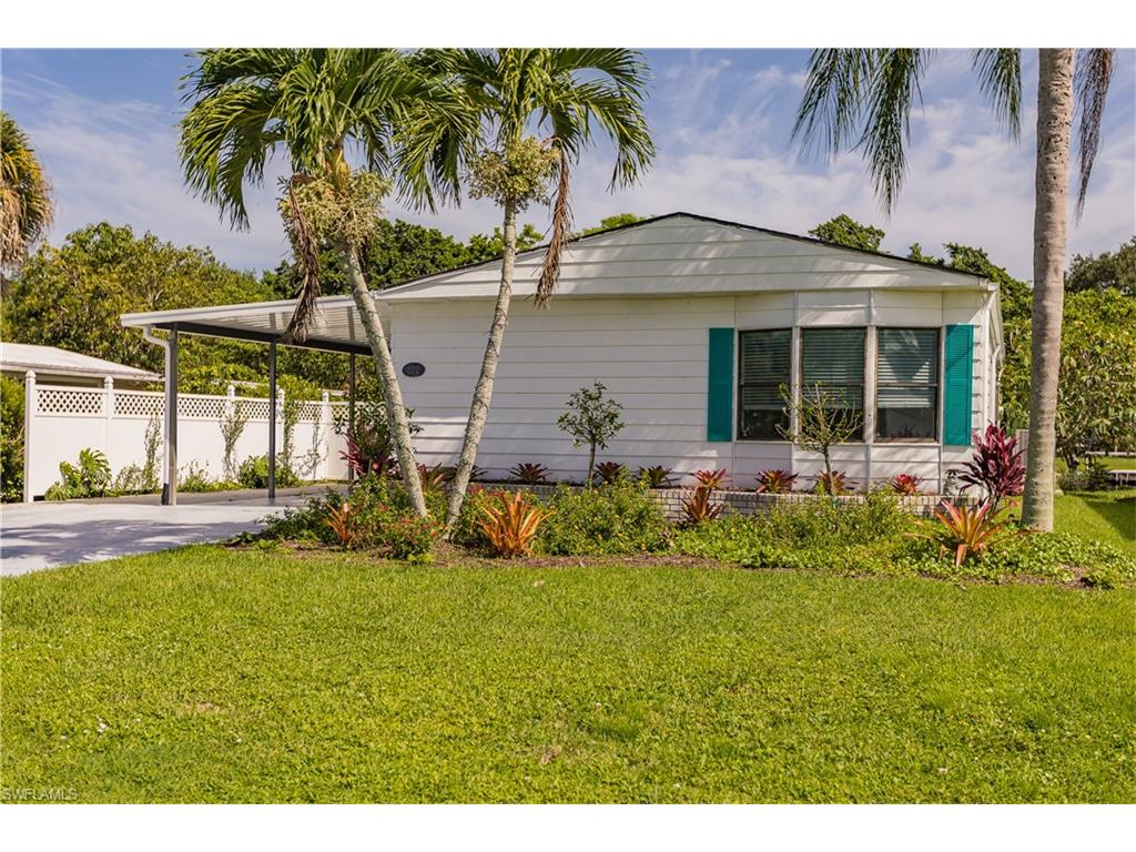 212 Riverwood RD, NAPLES, FL 34114