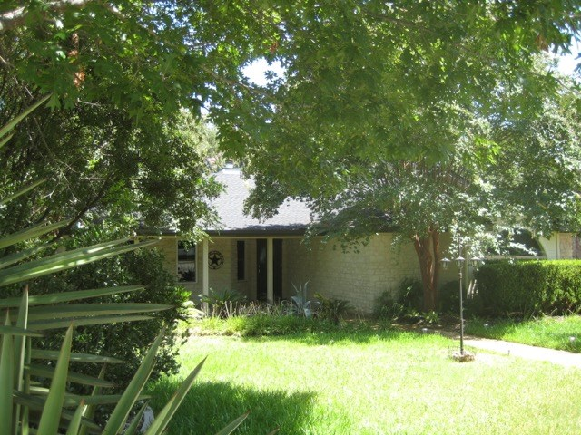 105 Copperleaf Rd, Lakeway, TX 78734