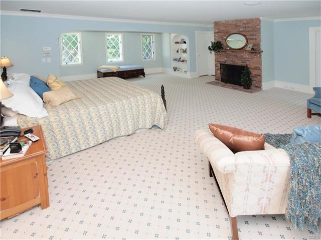 Additional photo for property listing at 47 Peaceable Street  Ridgefield, Connecticut,06877 United States