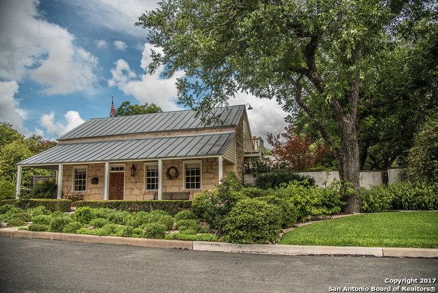 108 N Acorn St, Fredericksburg, TX 78624
