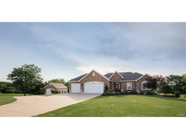 302 Foristell Manors Drive, Foristell, MO 63348
