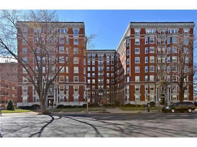 4950 Lindell, St Louis, MO 63108