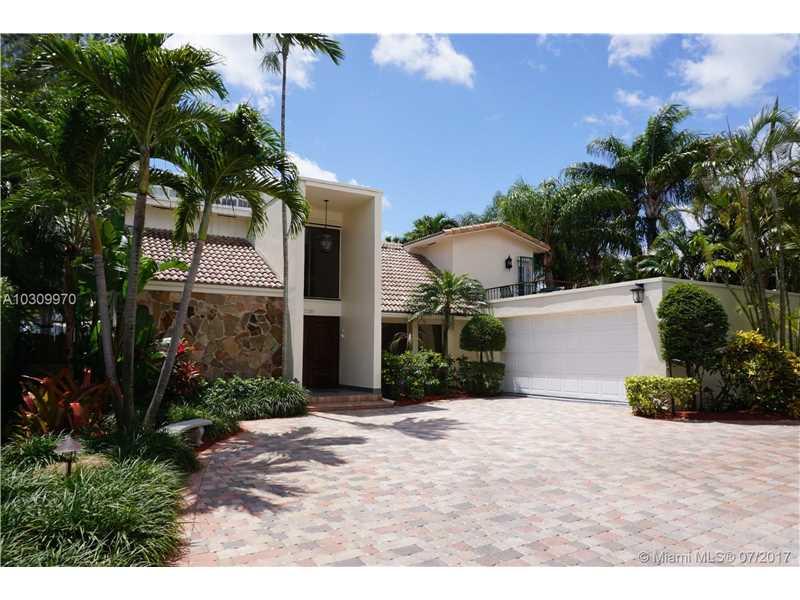 2210 NE 120th St, North Miami, FL 33181