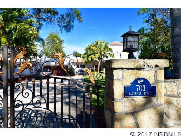 703 Faulkner St, New Smyrna Beach, FL 32168
