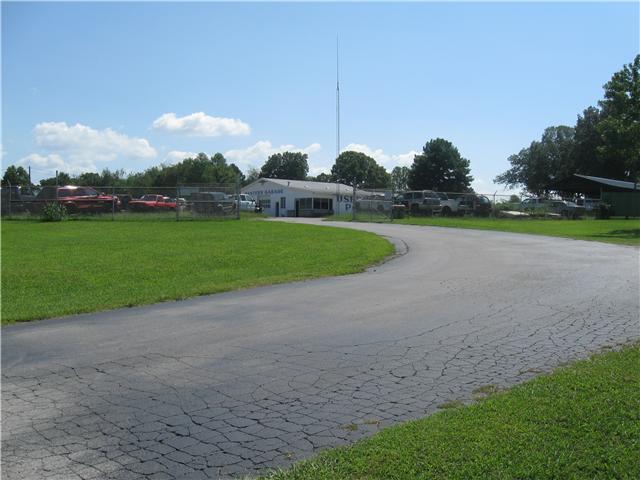 813 N Main St, Estill Springs, TN 37330