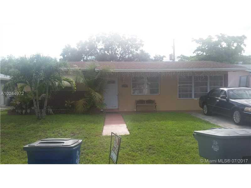 420 SW 9th Ter, Hallandale, FL 33009