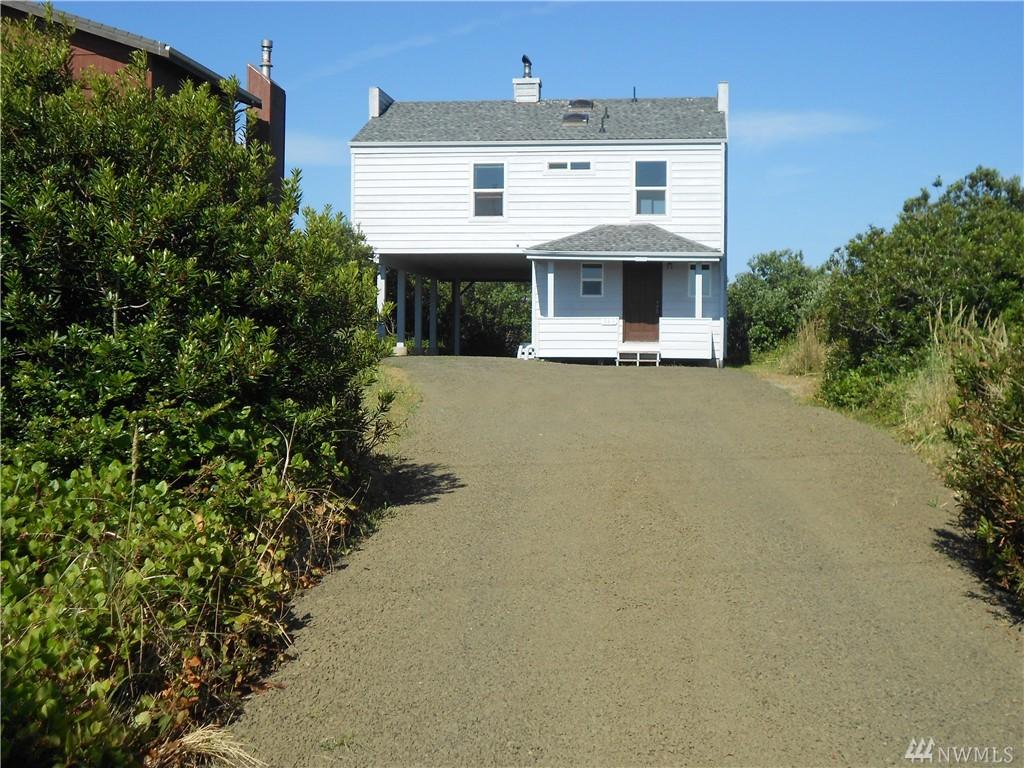 595 Sand Dune Ave SW, Ocean Shores, WA 98569