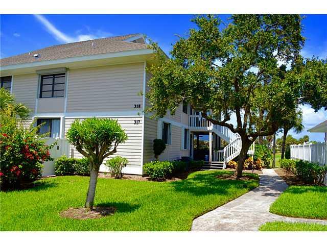 318 NE Golfview #318 Circle 5-318, Stuart, FL 34996