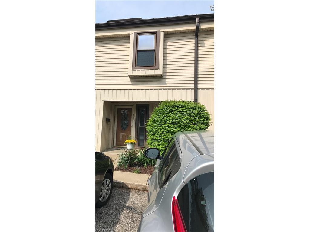 988 SOM Center Rd E-2, Mayfield Village, OH 44143
