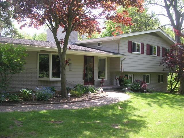 30650 HARLINCIN Court, Franklin Vlg, MI 48025