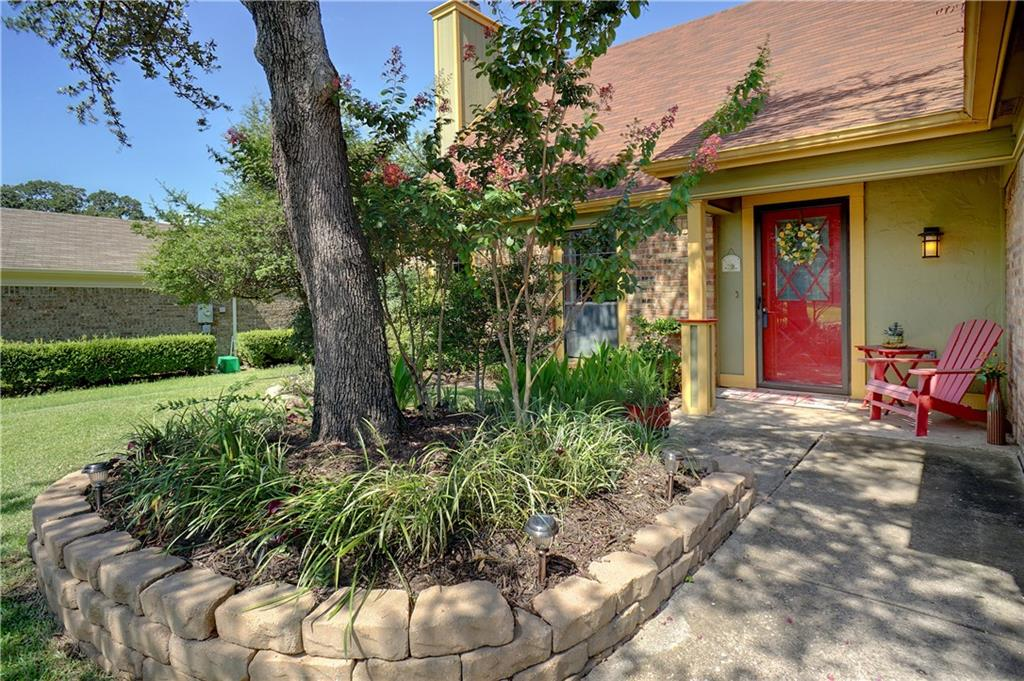 2205 McDowell Drive, Euless, TX 76039