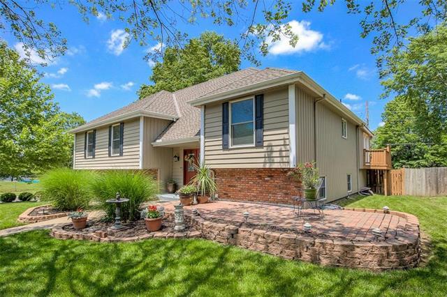 2000 E 151st Terrace, Olathe, KS 66062