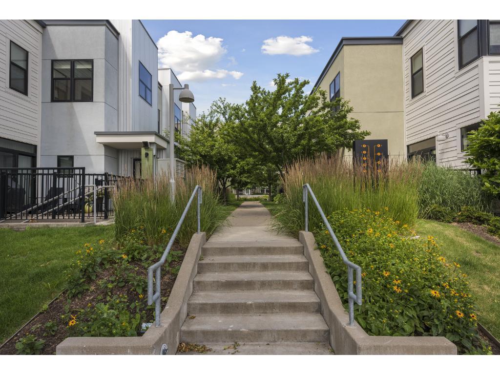 2818 Aldrich Avenue S 102, Minneapolis, MN 55408