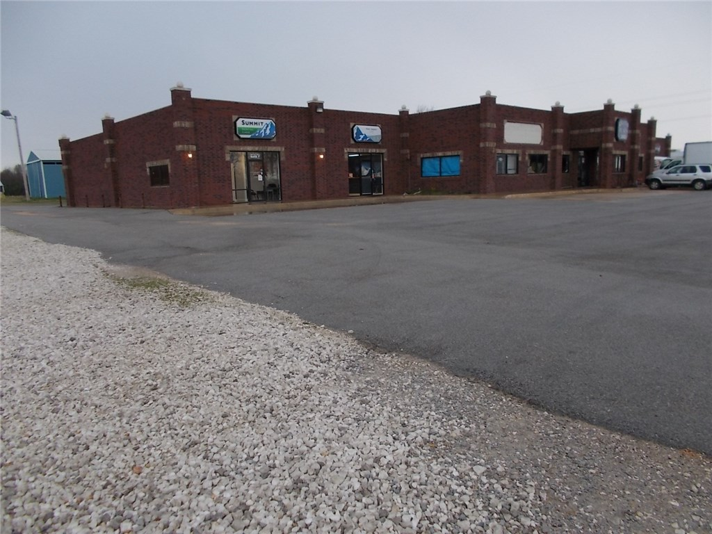 3860 Highway 412, Siloam Springs, AR 72761