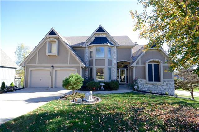5829 Oakview Street, Shawnee, KS 66216