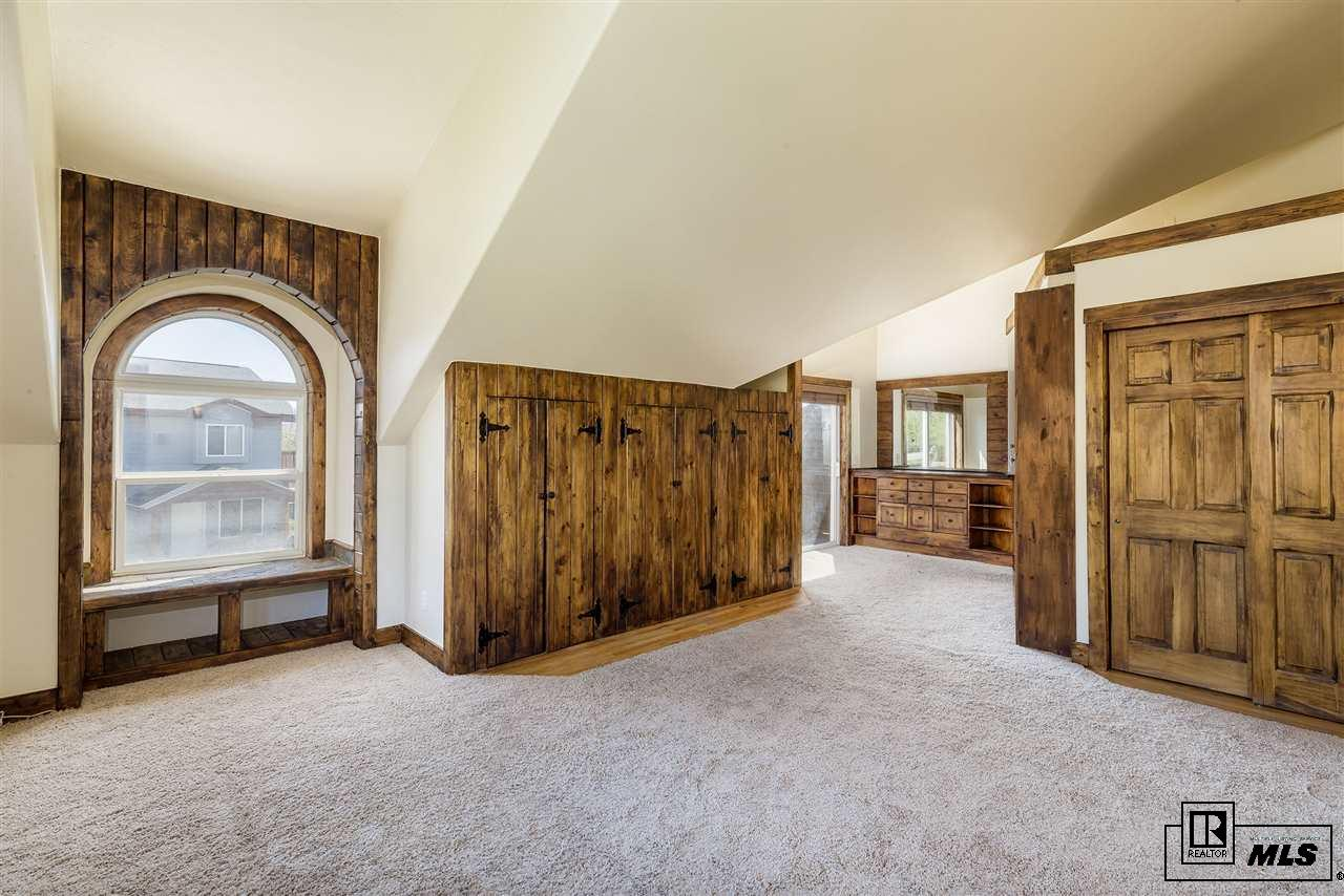 1821 Bear Creek Drive, Steamboat Springs, CO 80487